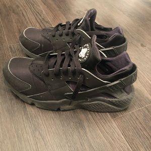 Nike Huarache Women's Sneaker